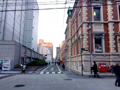 三条通からの曲がり角