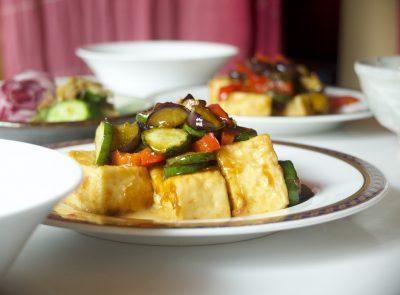 豆腐と夏野菜の照り焼き梅ソース